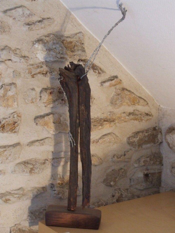 Figure au bras levé - Bois et fils d'acier- H. 58 cm