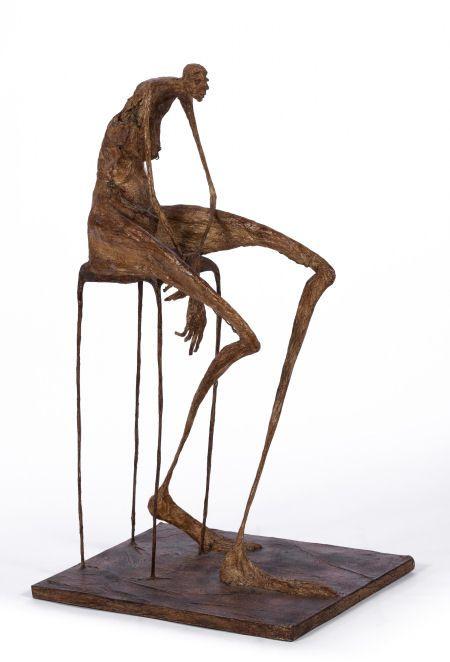 Femme en attente sur tabouret - H. 43 cm