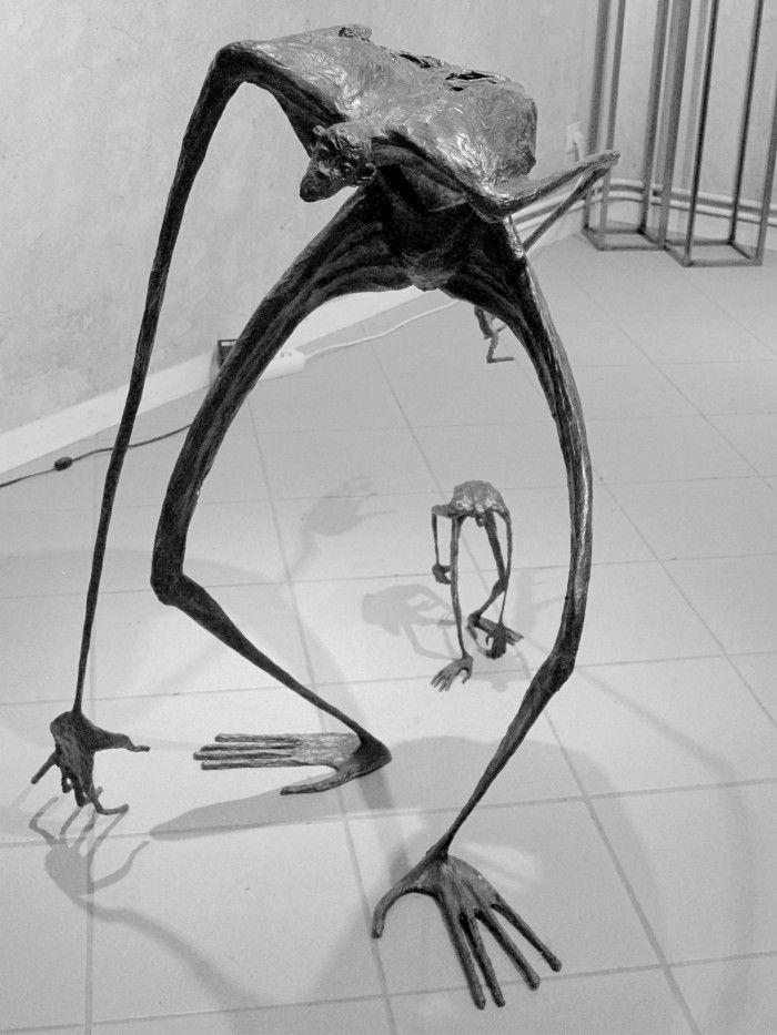 Bonobos en mouvement - H. 93 et 28,5 cm